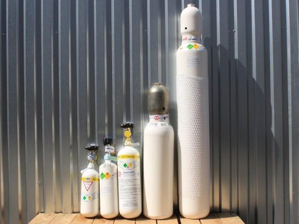 Sauerstoff-Flaschen - medizinisch gefüllt